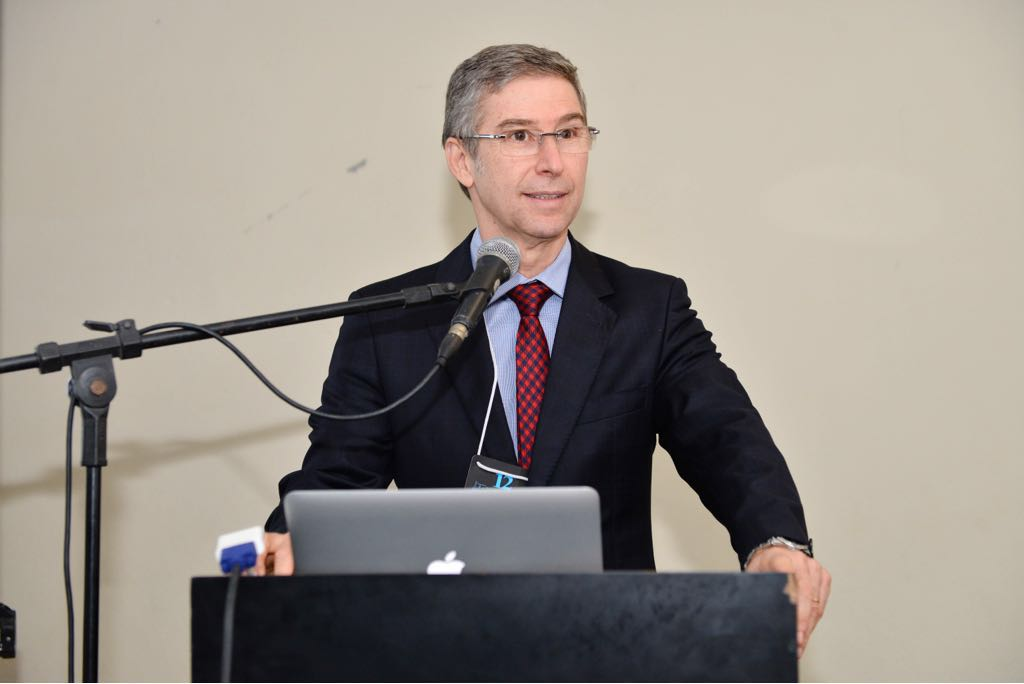 Dr. Elvio Bueno Garcia