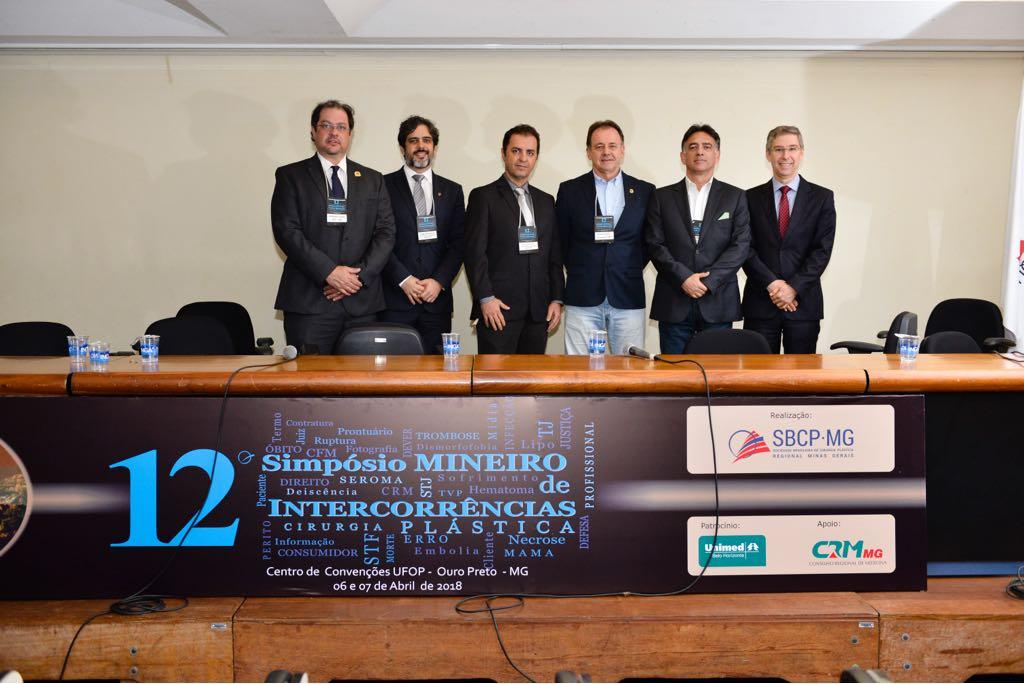 Da esq. para a dir., Dr. Antonio Vieira, Dr. Hugo Rodrigues, Dr. Alexandre Meira, Dr. Níveo Steffen, Dr. Eduardo Nigri e Dr. Elvio Garcia