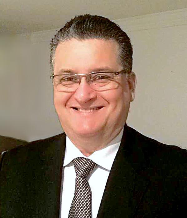 Dr. José Octavio Gonçalves de Freitas - Secretário